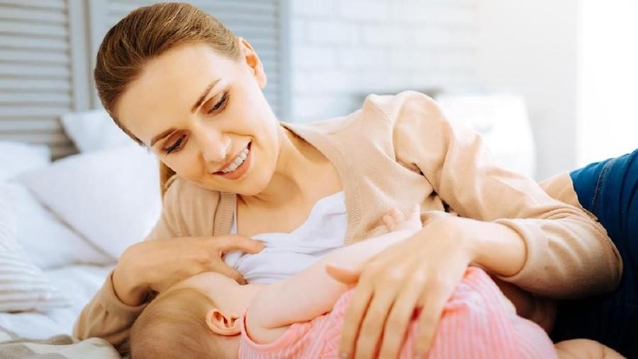 Mengatasi Bayi yang Hanya Mau Menyusu pada Satu Payudara