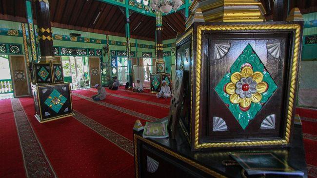 Masuknya Islam di Kalimantan tak lepas dari kaum pedagang Nusantara yang telah memeluk Islam. Berikut sejarah dan perkembangan Kerajaan Islam di Kalimantan.