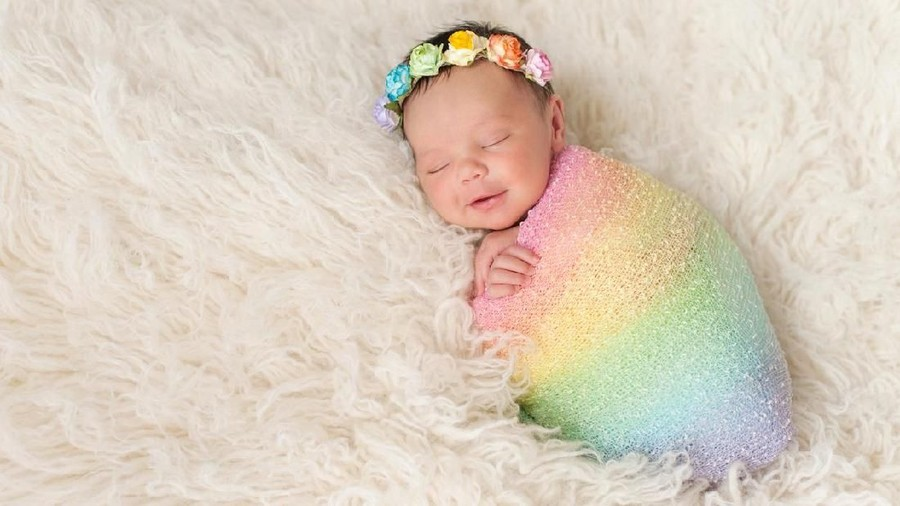 25 Nama Bayi Perempuan Islami Bermakna Ratu & Putri