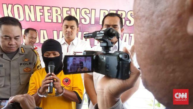 Pelaku pembuat hoaks rekapitulasi PPK dilakukan tertutup di Plumbon, Cirebon mengaku kapok telah melakukan perbuatanya tersebut setelah ditangkap polisi.