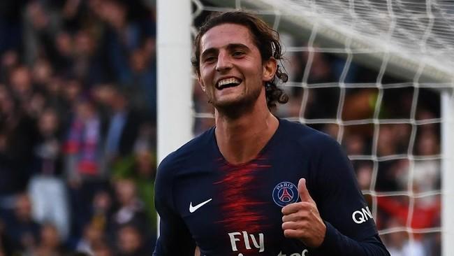 Terdapat beberapa nama tenar yang berstatus bebas transfer dalam bursa jual beli pemain tengah tahun ini menjelang musim 2019/2020.