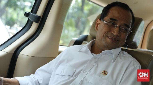 Menteri Perhubungan Budi Karya Sumadi mengaku akan mengkaji kesempatan lebih luas kepada maskapai asing berkompetisi usaha di dalam negeri.