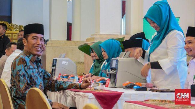 Jokowi memastikan tak akan ikut dalam kampanye anaknya, Gibran Rakabuming Raka jika menjadi calon kepala daerah di Pilkada Solo.
