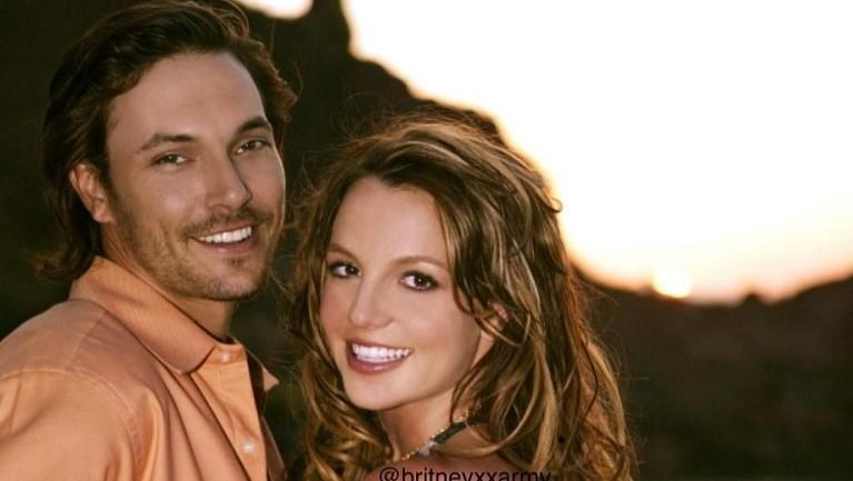 Sukses dengan karier, Spears harus menelan pahit dalam kisah asmaranya. Pernikahannya dengan Kevin Federline harus usai karena perbedaan pendapat. Ia juga sempat heboh dengan pernikahan singkatnya dengan Jason Allen.