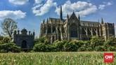 Kastel di Inggris bukan cuma Windsor, karena di selatan Inggris juga ada Kastel Arundel yang kaya sejarah.