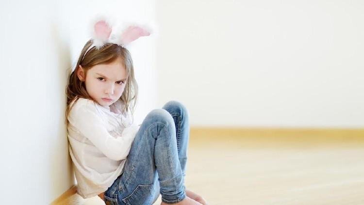 Ketika anak berperilaku tidak sopan dan kasar, orang tua akan bertanya-tanya dari mana anak mencontohnya.