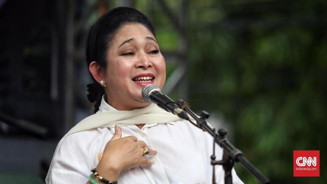 Siti Hediati Hariyadi alias Titiek Soeharto tak kecewa dengan sikap Prabowo yang bergabung dengan pemerintahan meski dulu menjadi rival Jokowi di Pilpres 2019.