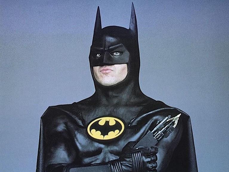 Michael Keaton pertama kali mendapatkan peran Batman pada tahun 1989 dengan judul Batman. Saking suksesnya, film tersebut bahkan berhasil meraup untung hingga mencapai Rp6 triliun.