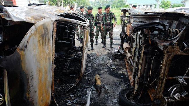 Yasonna Laoly menyatakan baik kalapas maupun seluruh pegawai di Lapas Langkat akan dinonaktifkan setelah terjadi insiden kerusuhan pada tengah pekan ini.