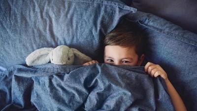Anak Belajar Tidur Sendiri? Ajari Doa Terbangun di Malam Hari