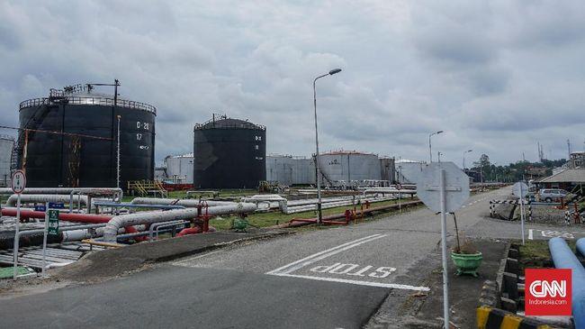 Harga minyak mentah dunia melanjutkan tren penurunan seiring dengan meningkatnya kekhawatiran pasar terhadap pemulihan ekonomi global.