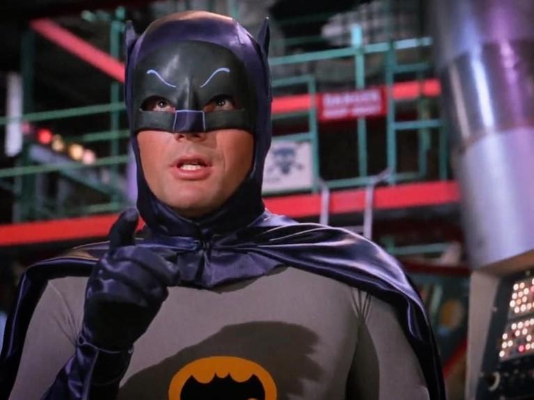 Aktor senior, Adam West, ini terkenal sebagai perannya sebagai Batman di serial televisi selama enam dekade. Ia pertama kali memerankan Batman di film dengan judul yang sama pada tahun 1966.