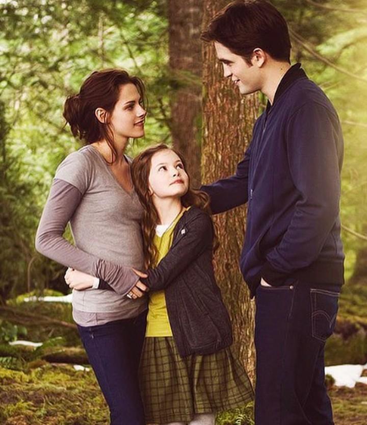 Meski belum jadi ayah, Robert Pattinson yang kabarnya akan memerankan tokoh Batman cukup dekat lho dengan anak-anak.