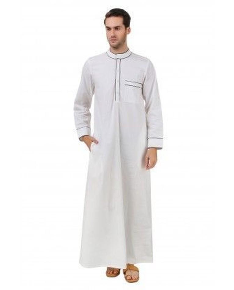 1. Jubbas Pria muslim di Arab, biasanya menggunakkan baju muslim yang khas berlengan panjang yang menutupi bagian tubuh hingga mata kaki. Jubba, berasal dari bahasa TUrki yang berarti mata kaki. Warna baju Jubbas ini terlihat berwarna netral tanpa dicampuri corak-corak lain.