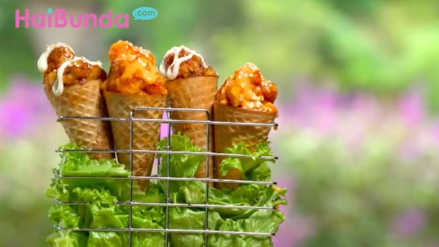 Menu Buka Puasa: Pok Pok Chicken With Waffle Cones, Lezat & Unik