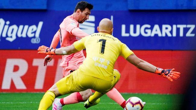 Barcelona ditahan imbang Eibar 2-2 dalam laga terakhir Liga Spanyol yang berlangsung di Stadion Municipal Ipurua, Minggu (19/5) malam WIB.