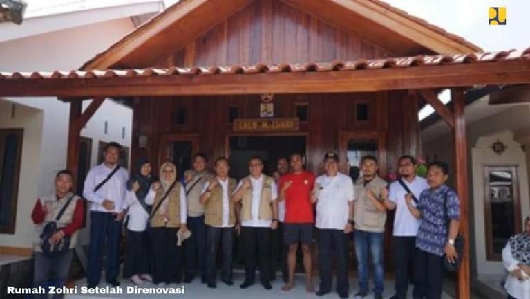 Rumah lama Zohri yang sudah direnovasiKementerian Pekerjaan Umum dan Perumahan Rakyat (PUPR). Rumah ini terletak di kabupaten Lombok Utara, Nusa Tenggara Barat.
