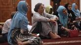 Setiap bulan Ramadan, pemerintah Dubai mengadakan pertemuan antara wisatawan mancanegara dan umat muslim seusai buka puasa.