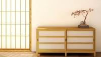 <p>Dalam arsitektur Jepang, dikenal istilah <em>shoji</em> yang berarti pintu, jendela, partisi berlapis kertas transparan. Shoji biasanya berfungsi sebagai pintu geser. Pintu geser banyak digunakan untuk menghemat tempat. (Foto: iStock)</p>
