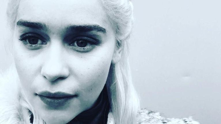 Emilia Clarke, pemeran Daenerys Targayen menuliskan perpisahan selamat tinggal melalui instagram pribadinya,