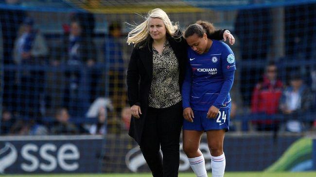 Posisi Maurizio Sarri sebagai manajer Chelsea berpotensi digantikan pelatih tim wanita, Emma Hayes.