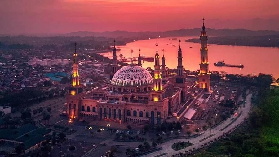 4 Masjid Indonesia Terbesar di Asia Tenggara