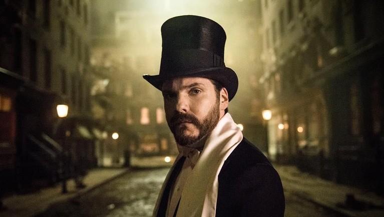 Daniel Bruhl memulai dunia seni peran lewat serial opera sabun di Jerman yang berjudul Verbotene Liebe pada tahun 1995.