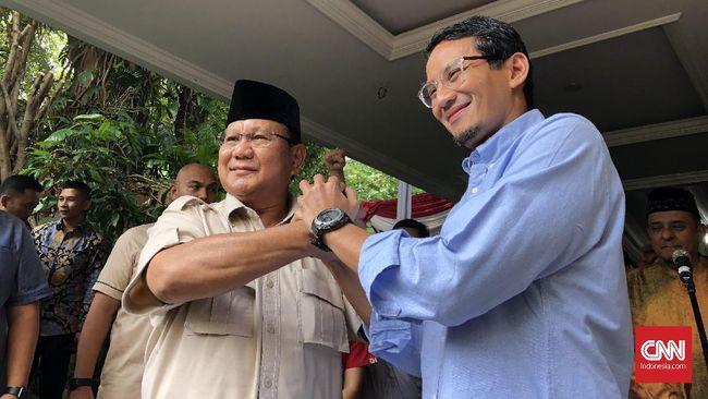 Sejumlah massa dan mobil komando sudah menanti Prabowo Subianto di kediamannya sejak pukul 10.00 WIB, Rabu (22/5).