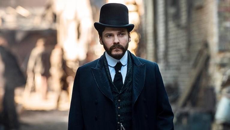 Daniel Bruhl juga ikut berperan dalam film action berjudul The Bourne Ultimatum.