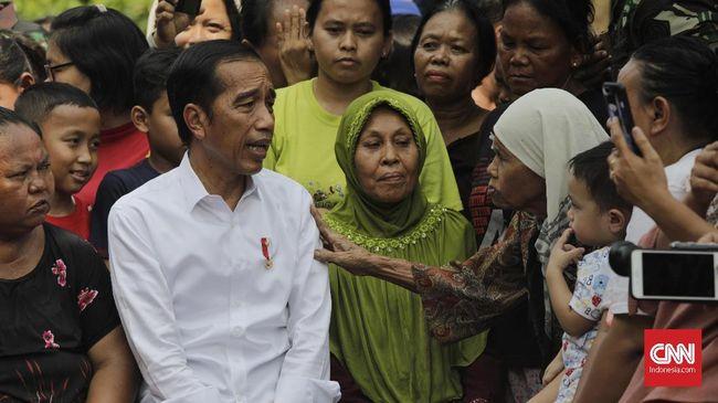 Hasil survei Parameter Politik Indonesia menunjukkan 45,3 persen responden tidak setuju Joko Widodo menjabat sebagai presiden Indonesia tiga periode.