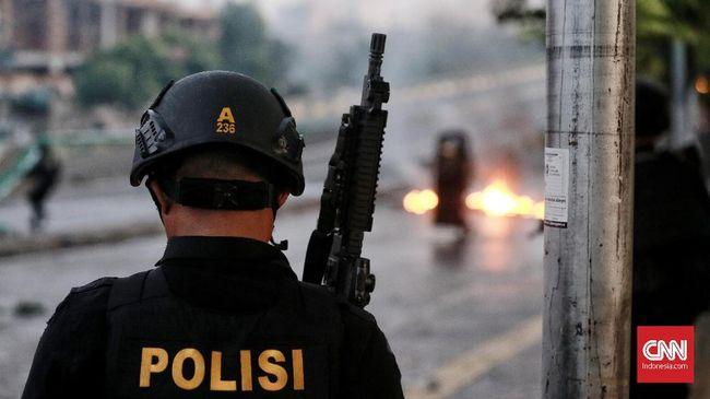 Aliansi Jurnalis Indonesia (AJI) Jakarta mencatat setidaknya terdapat tujuh jurnalis yang mengalami kekerasan saat meliput kerusuhan 22 Mei.