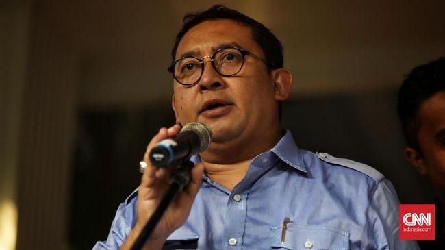 Anggota komisi bidang pertahanan DPR Fadli Zon menyatakan Pangdam Jaya Mayjen Dudung tak punya kewenangan menginstruksikan pencopotan baliho Rizieq Shihab.