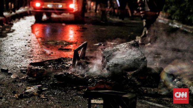 Sedikitnya empat rumah sakit di Jakarta merawat ratusan korban bentrok massa dan aparat di sejumlah titik di Jakarta sejak Selasa (21/5) hingga Rabu (22/5).
