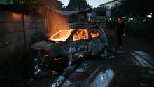 Alternatif Padamkan Mobil Terbakar, Gunakan Selimut Api