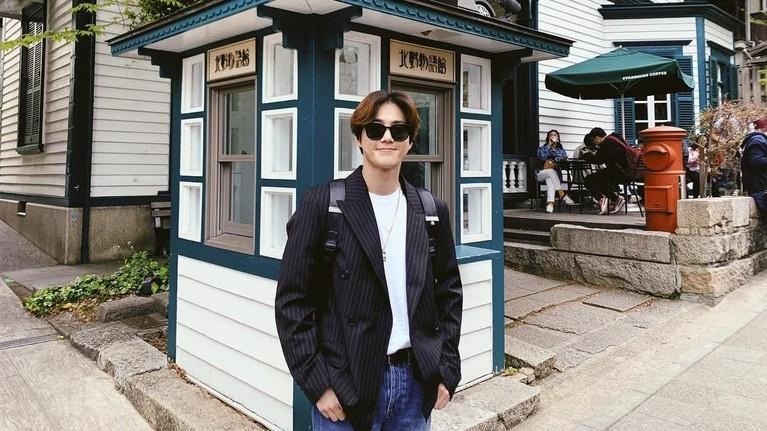 Para member EXO menganggap selera humor Suho sangat garing. Bahkan, salah satu personel, Chen, hampir tak pernah tertawa saat Suho melemparkan candaannya.