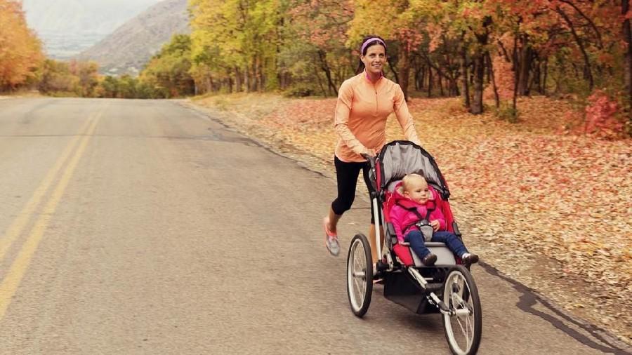 Jogging Sambil Ajak Bayi di Stroller, Amankah?