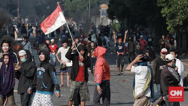 AS mengimbau seluruh warganya yang berada di Jakarta untuk menghindari Tanah Abang dan Menteng setelah demonstrasi terkait hasil pemilu berakhir ricuh.