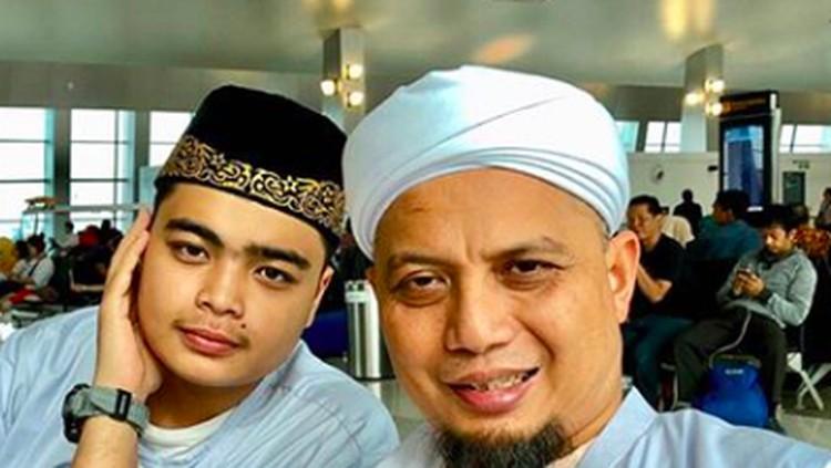 Doa teriring dari putra kedua Arifin Ilham, Ameer Azzikra, saat melepas kepergian sang ustaz untuk selamanya.