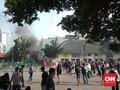 TNI AD Bentuk Pagar Betis Cegah Massa Serbu Polsek Gambir