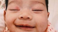 <p>Tarra Budiman dan Gya Sadiqah dikarunia anak pertama mereka, Kalea Jada Agyra pada Desember lalu. Sejak bayi, Kalea memang murah senyum nih. (Foto: Instagram @gyaps)</p>