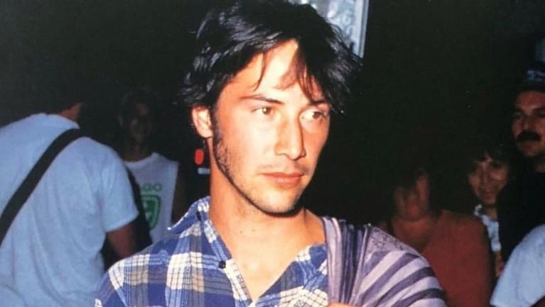 Berperan bersama Al Pacino dan Charlize Theron pada tahun 1997 membuat nama Keanu Reeves semakin menanjak dalam kesuksesannya bermain film.