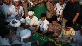 Kapolri hingga Zulhas Sambut Jenazah Arifin Ilham di Halim