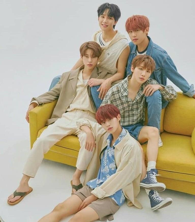 Satu lagi grup Kpop baru bernama AB6IX yang ikut meramaikan industri musik Korea Selatan. Berikut ini potret penampilan kece para personel AB6IX.