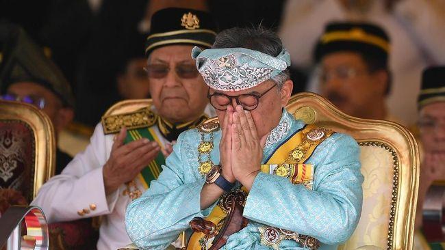 Raja Malaysia Sultan Abdullah Ri'ayatuddin menjalani perawatan di rumah sakit karena keracunan makanan.