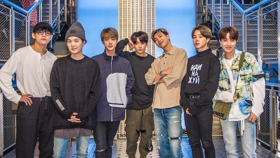 Cetak Sejarah, BTS Grup Kpop Pertama Tampil di Wembley Stadium