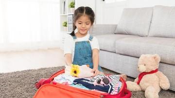 Tips Ajari Anak Packing Baju Sendiri untuk Mudik