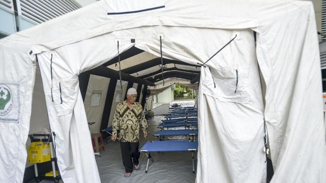 Dari 47 korban yang mendapat perawatan di RSCM, lima di antaranya hingga saat ini masih dalam perawatan medis.