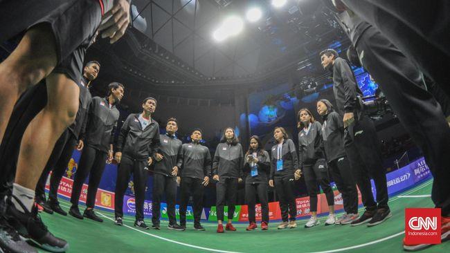 Tim bulutangkis Indonesia harus bersabar lebih lama untuk bisa membawa Piala Sudirman yang tidak pernah pulang ke Tanah Air sejak 1989.