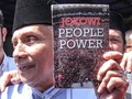 Diperiksa Polisi, Amien Rais Bawa Buku 'Jokowi People Power'