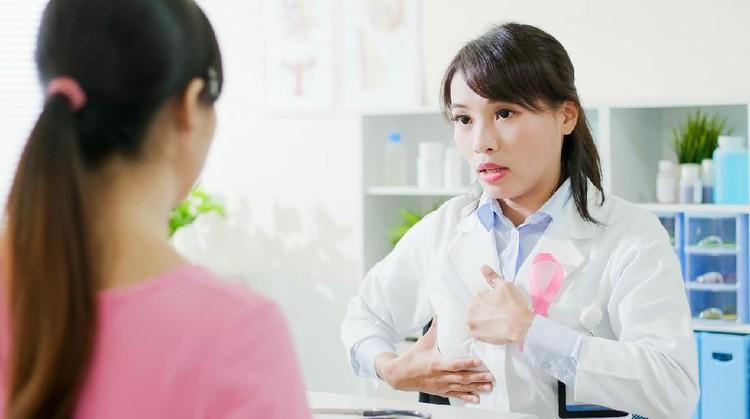 Cari tahu yuk, Bun, penyebab area puting payudara berbulu. Sebenarnya, hal itu wajar terjadi enggak ya?